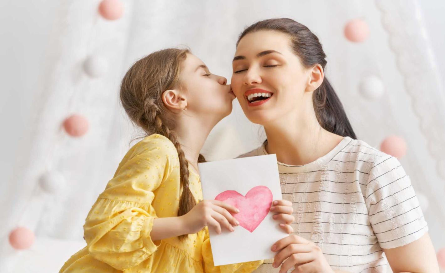 Valentýnské tvoření – přáníčka, obrázky a další dárky pro maminku