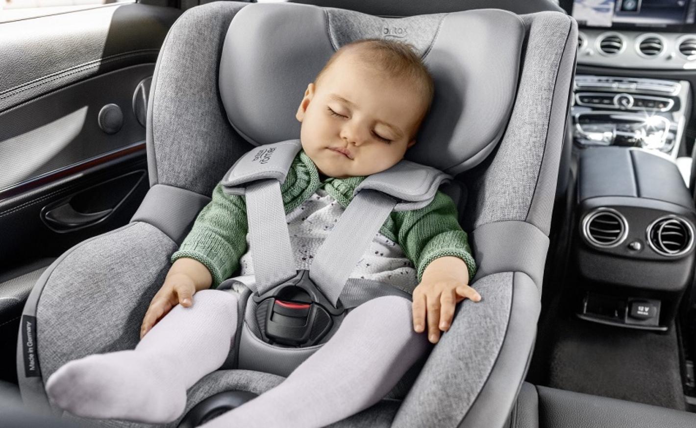 Zásady bezpečného cestování s dětmi. Nejen o Vánocích