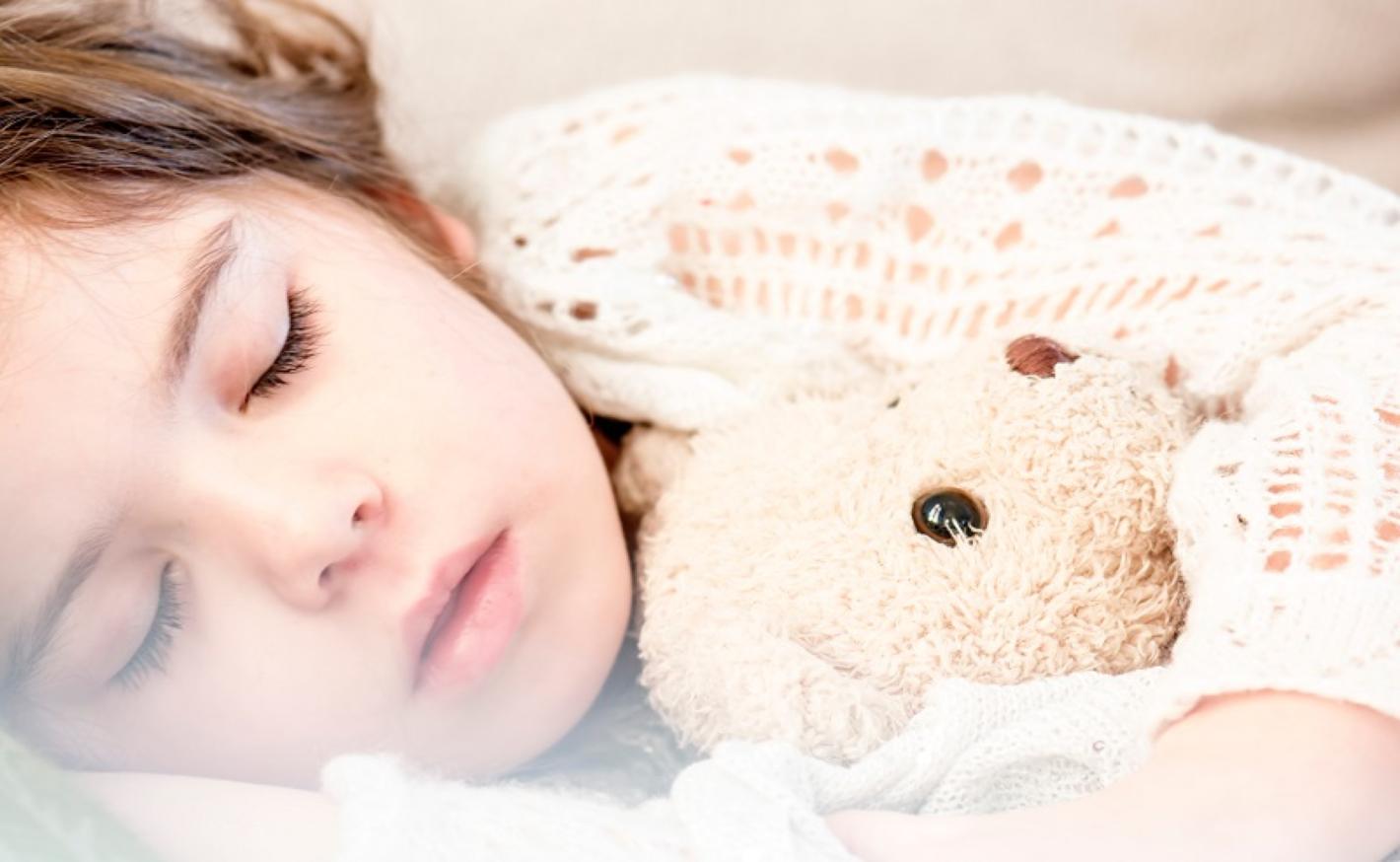 Koronavir a děti, je potřeba se obávat?