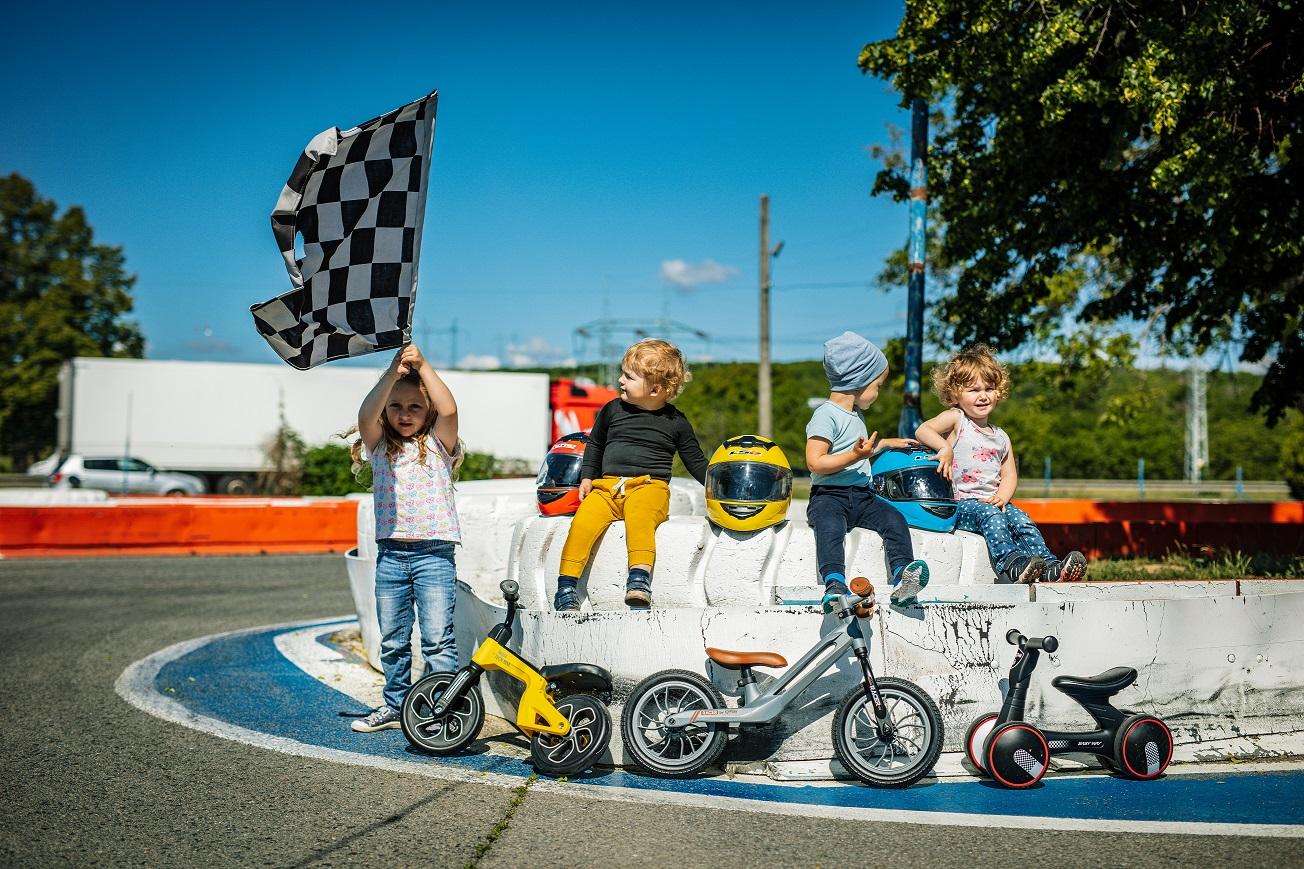 Odrážedla Racer a Tech bike